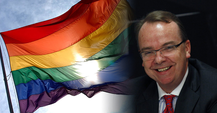 HSBC group CEO Stuart Gulliver believes that supporting the LGBT community is good for business. The rainbow flag (left) is a symbol of LGBT pride. Photo: HKEJ
