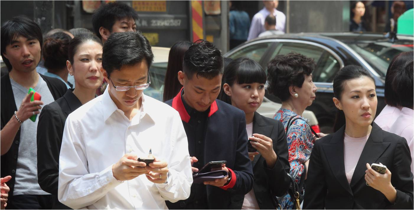 The average salary hike for Hong Kong workers this year was slightly less than expected, according to a survey. Photo: HKEJ