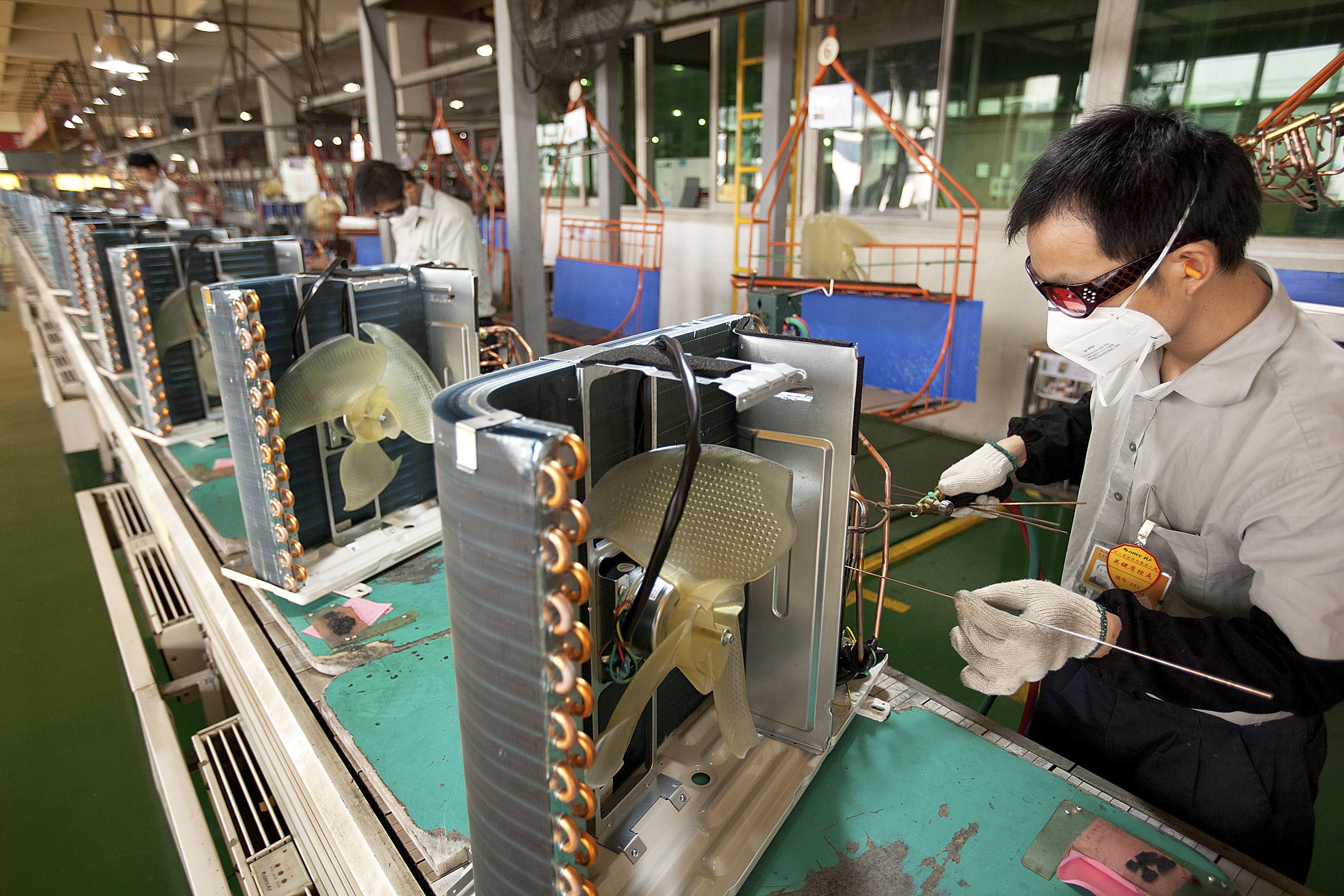 Chinese manufacturing data has added to fears of a deepening slowdown in the world's second biggest economy. Photo: Bloomberg