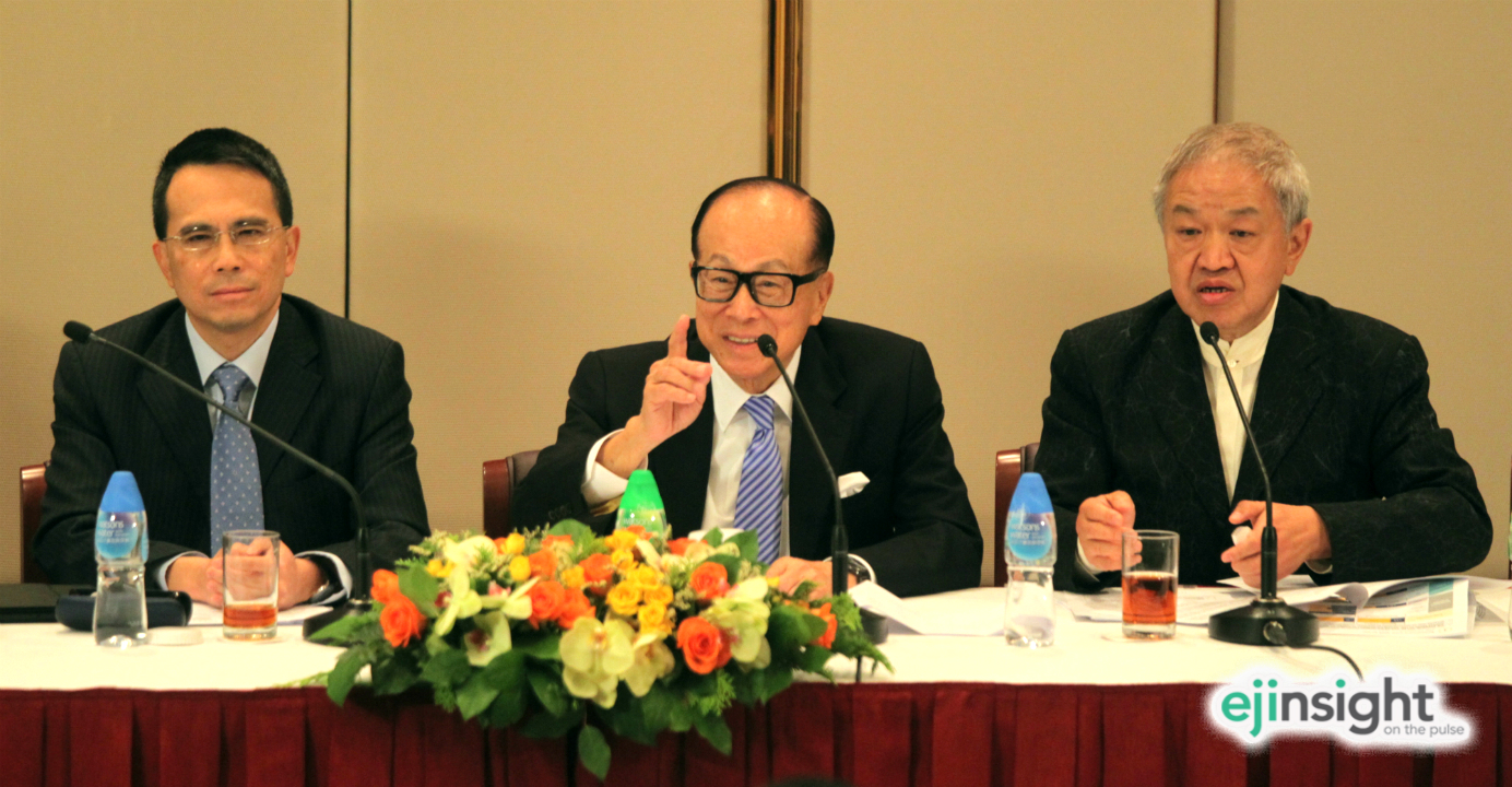 Li Ka-shing (center) has engineered a merger of CK Infrastructure, chaired by Victor Li (left) and Power Assets, chaired by Canning Fok Kin-ning (right). Photo: HKEJ