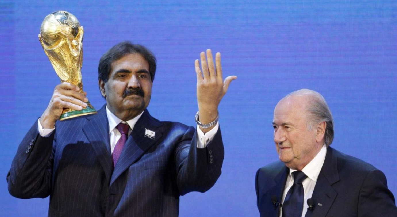 Qatar's Emir Sheikh Hamad bin Khalifa al Thani (left) and FIFA president Sepp Blatter at the announcement of Qatar's hosting of FIFA World Cup 2022. Photo: Reuters
