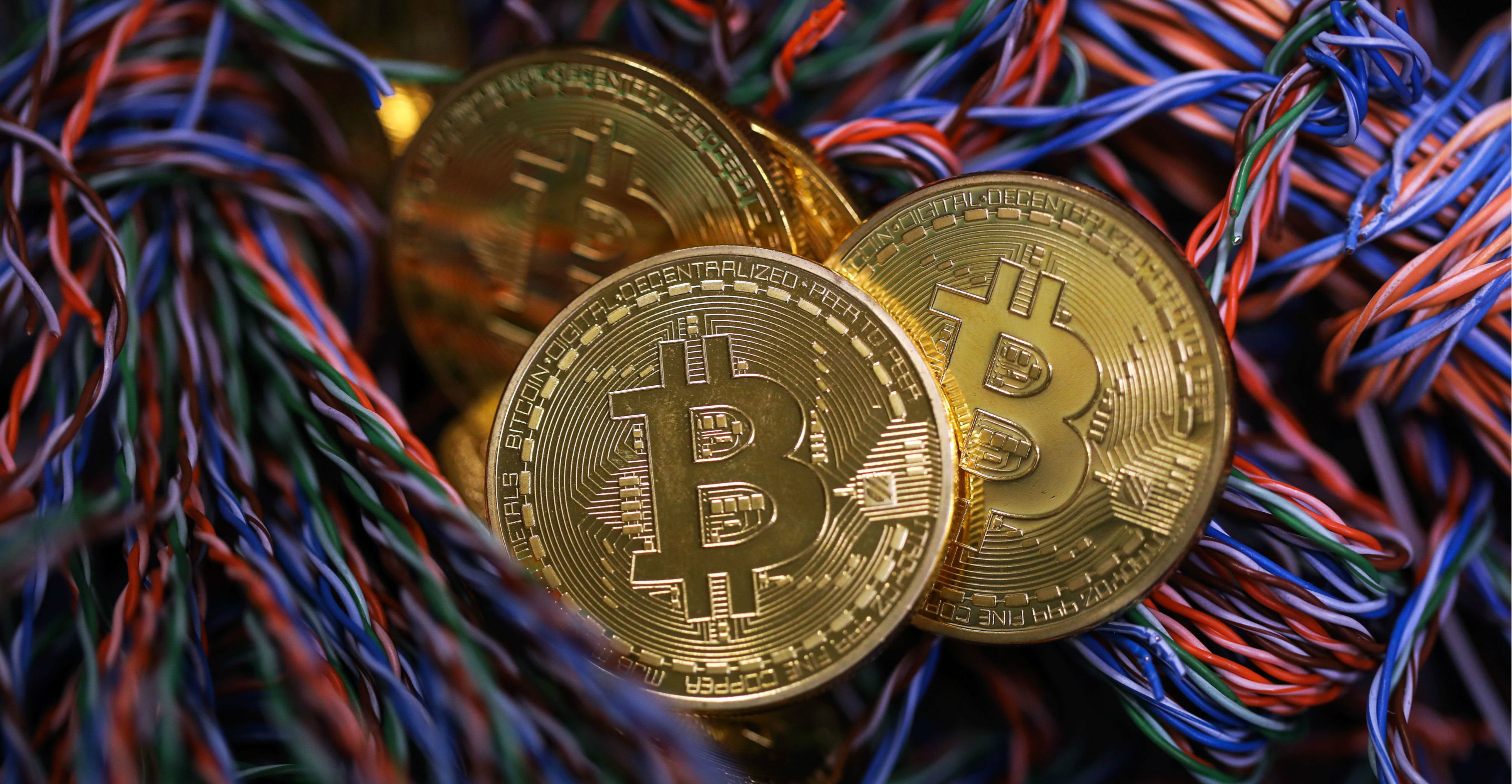 Two of the world's largest bitcoin plays plan to list on the Hong Kong Stock Exchange as soon as this year with each seeking to raise as much as US$1 billion. Photo: Bloomberg