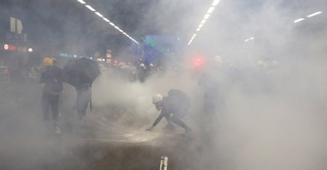 Why police should limit the use of tear gas