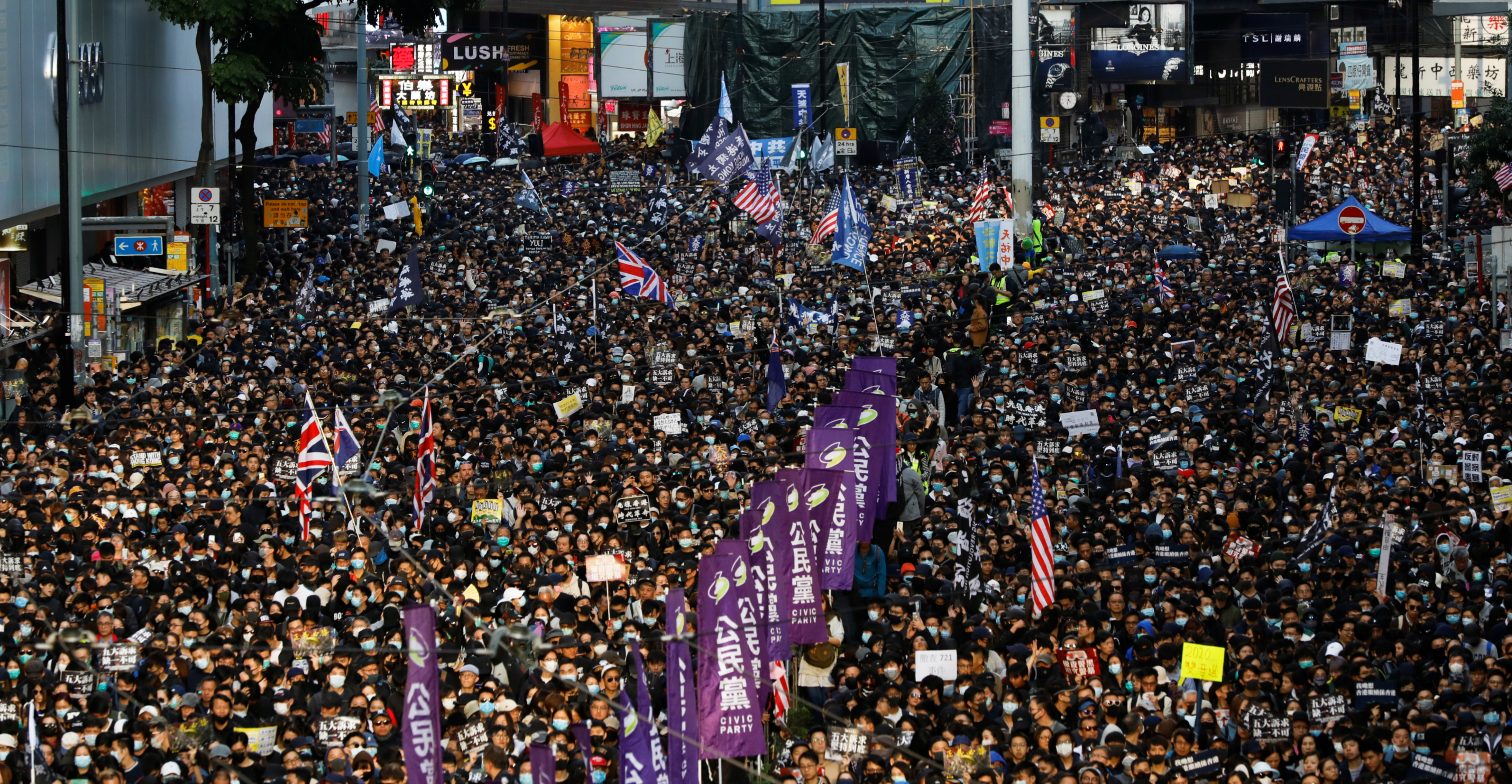 The Civil Human Rights Front estimated that about 800,000 people joined the march on Sunday. Photo: Reuters