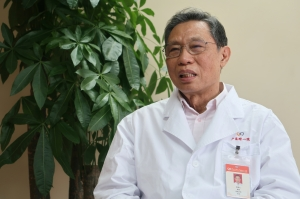 Chinese doctor who dares speak truth to power