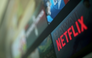 Netflix, Facebook to cut data traffic in India to ease networks