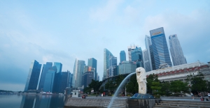Singapore flags deep recession after first-quarter GDP falls